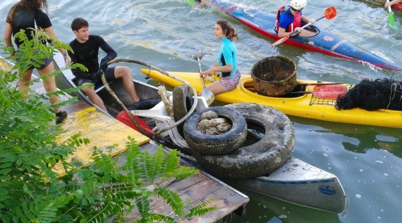 earth day canoa